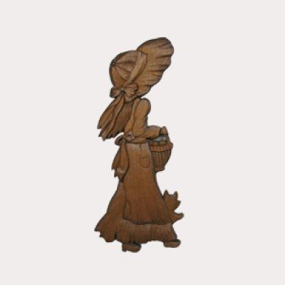 画像1: 少女と犬のレリーフ りんご